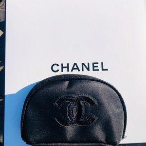 CHANEL Makeup Bag- Gorgeous!!!